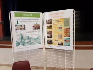 Panneau explicatif du déroulement de la journée : conférences, atelier d'écriture, d'initiation à l'aquarelle...