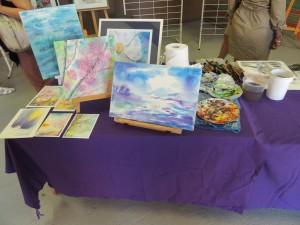 Mijo sur le point de commencer un atelier d'initiation à l'aquarelle.